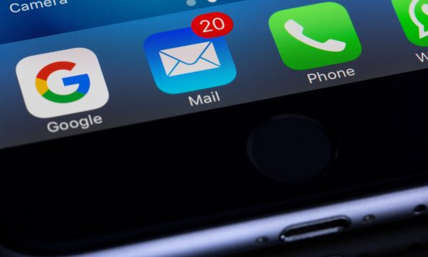 email-notification-on-phone